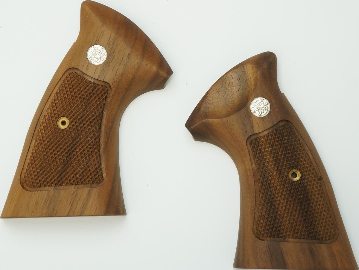 M29 アメリカンウォールナット木グリップ